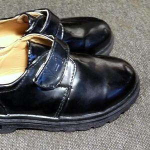 Новые детские осенние туфли унисекс р-р 30-31