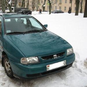 Seat Cordoba зеленый 1998 г.в