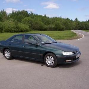 Продам автомобиль марки Пежо-406,  1.8,  бензин,  темно-зеленый перламутр