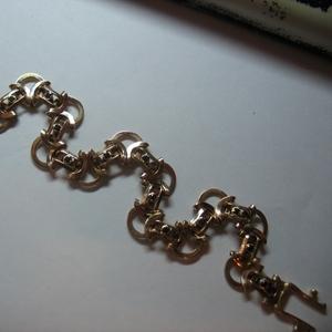 Золотой браслет с бриллиантами и фионитами