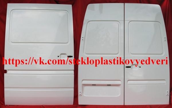 Фольксваген ЛТ стеклопластиковая боковая дверь 2