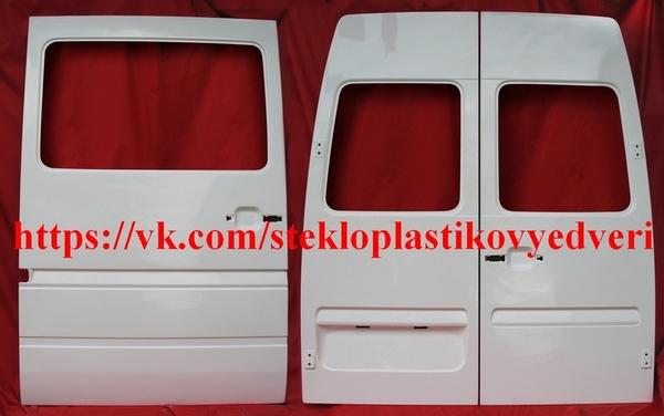 Фольксваген ЛТ стеклопластиковая боковая дверь 8